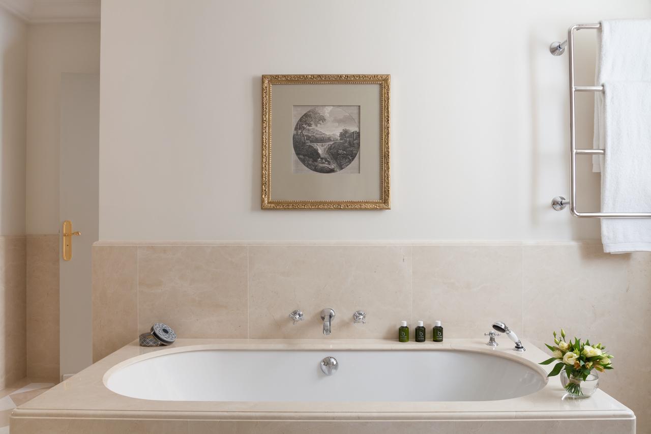 Bathtub Murah Mempercantik Kamar Mandi